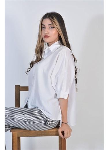 Zeren Kadın Beyaz Yaka Taş Detaylı Gömlek Beyaz